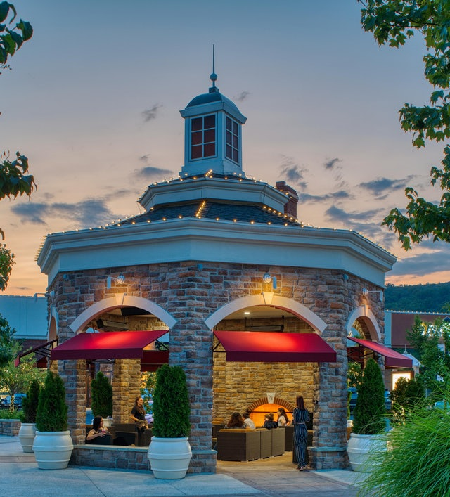 The Promenade Shops At Saucon Valley Center Valley Pa