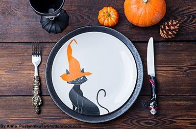 Halloween themed dinner plate.