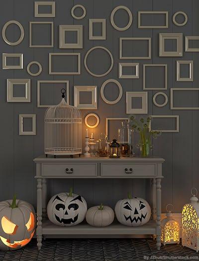 White halloween decorations and lanterns.