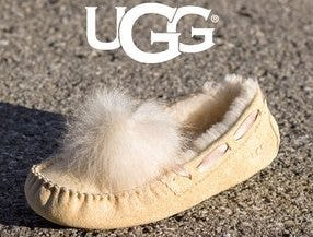 Womens UGG® Dakota Pom Pom Casual Shoe