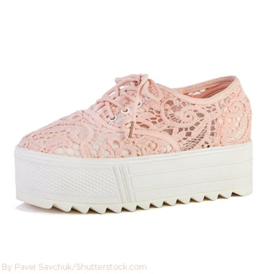 Light pink lace platform sneaker.