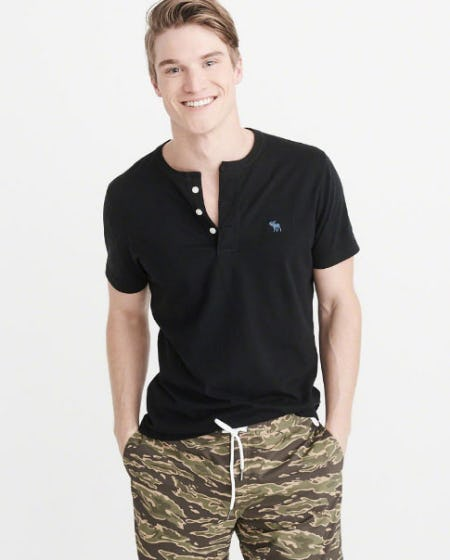 Short-Sleeve Icon Henley