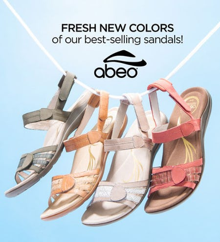 Fresh New Color Sandals from THE WALKING COMPANY