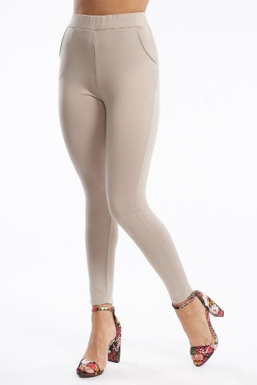 High-Rise Two Pocket Legging