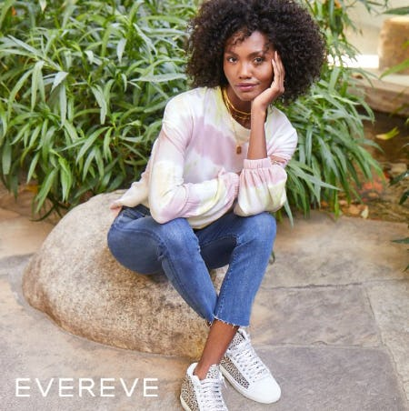 Outfit Yourself with New Silhouettes & New Favorites from Evereve