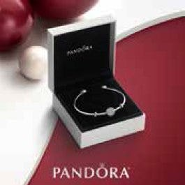 The Wintry Holiday Open Bangle Gift Set from PANDORA