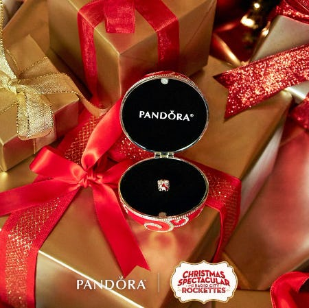 Exclusive Holiday Charm and Ornament