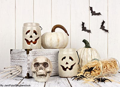 Miscellaneous black and white and cream colored Halloween décor.