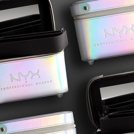 HAUL-IDAY DEAL: FREE HOLOGRAPHIC TRAIN CASE!